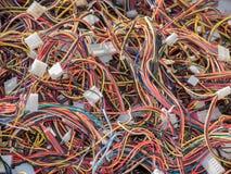 El ordenador viejo parte, los cables cerca encima de la escena 2 Fotografía de archivo libre de regalías
