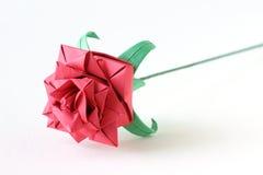 El origami rojo se levantó Fotos de archivo libres de regalías