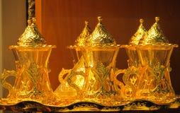 El oro adornó el juego de té Imagen de archivo libre de regalías