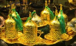 El oro adornó el juego de té Fotografía de archivo