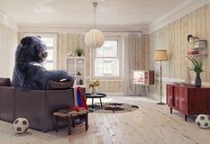 El oso ruso como el aficionado al fútbol Imagenes de archivo