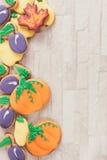 El otoño adornó las galletas Imagenes de archivo