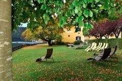 El otoño en la ciudad del balneario de Millstatt considera, Austria Imagen de archivo libre de regalías