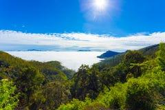 El país de la colina de Haputale sobre el mar se nubla el valle H Fotografía de archivo libre de regalías