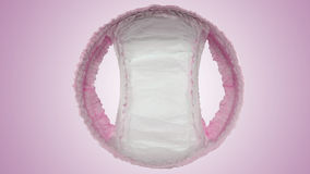El pañal del bebé jadea y muy suavemente y se seca fotos de archivo