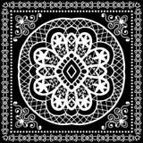 El pañuelo negro imprime, la bufanda de cuello o el pañuelo de seda Foto de archivo libre de regalías