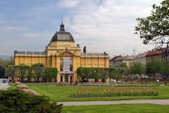 El pabellón del arte en Zagreb fotos de archivo