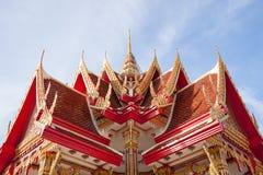 El pabellón tailandés del templo adornó por completo de estilo tailandés de la bella arte Foto de archivo