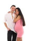 El padre Caucasoid de los pares embarazados, sirve de madre al asiático Imagen de archivo