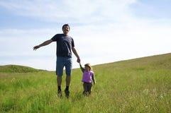 El padre con una hija fotos de archivo libres de regalías