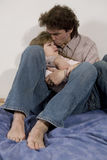 El padre siente apesadumbrado para la hija Fotografía de archivo libre de regalías