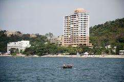 El paisaje de la visión de Laem thaen la playa escénica a de Bangsaen del puesto de observación en Chon Buri, Tailandia fotos de archivo