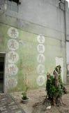 El paisaje de Taiwán: El lema talla en la piedra - destruya al comunista y restaure la República de China, Ludao, Taiwán fotos de archivo