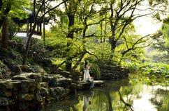 El paisaje del jardín del administrador humilde en Suzhou, China Foto de archivo libre de regalías