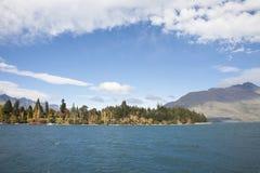 El paisaje del lago Foto de archivo libre de regalías