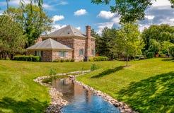 El paisaje del pueblo de Northbrook, es un suburbio opulento de Chicago, situado en el borde septentrional del cocinero County, S fotos de archivo libres de regalías