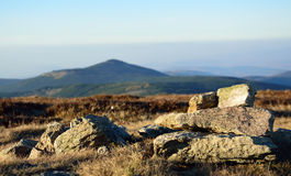 El paisaje hermoso de montañas, la visión desde el top Fotografía de archivo libre de regalías