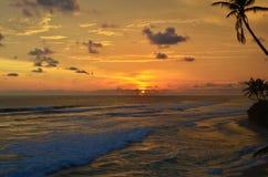 El paisaje un océano protegido puesta del sol de la India en Sri Lanka fotos de archivo libres de regalías