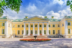 El palacio de Kamennoostrovsky en la isla de Kamenny en St Petersburg Fotos de archivo libres de regalías