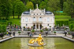 El palacio de Linderhof es un Schloss en Alemania, en Baviera del sudoeste Foto de archivo