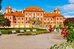 El palacio de Troja es un palacio barroco situado en Troja, República Checa de la ciudad del noroeste de Praga El foco selectivo  fotografía de archivo