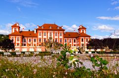 El palacio de Troja es un palacio barroco situado en Troja, República Checa de la ciudad del noroeste de Praga fotos de archivo libres de regalías