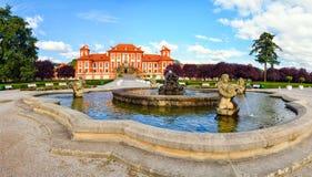 El palacio de Troja es un palacio barroco situado en Troja, República Checa de la ciudad del noroeste de Praga imagen de archivo libre de regalías