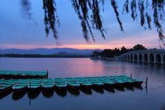 El palacio de verano es puesta del sol Foto de archivo libre de regalías