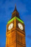 El palacio de Westminster Big Ben en la noche, Londres Foto de archivo libre de regalías