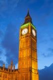 El palacio de Westminster Big Ben en la noche, Londres Imágenes de archivo libres de regalías