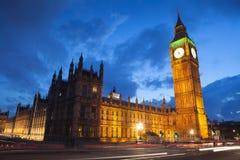 El palacio de Westminster Big Ben en la noche, Londres Fotos de archivo libres de regalías