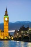 El palacio de Westminster Big Ben en la noche, Londres, Inglaterra, Reino Unido Imagen de archivo