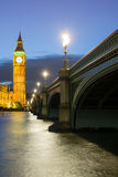 El palacio de Westminster Big Ben en la noche, Londres, Inglaterra, Reino Unido Imagen de archivo libre de regalías