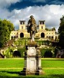 El palacio del naranjal (Orangerieschloss) en el parque Sanssouci en Potsdam foto de archivo