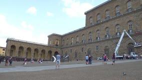 El palacio famoso de Pitti en la ciudad de Florencia llamó Palazzo Pitti - Toscana almacen de video