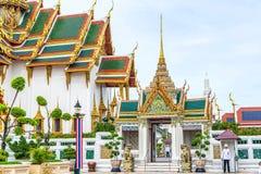 El palacio magnífico es señal en Tailandia imagen de archivo