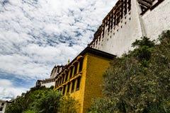 El palacio Potala en Lasa, Tíbet Fotos de archivo libres de regalías