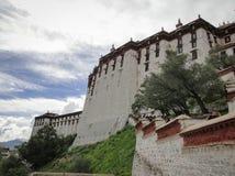 El palacio Potala en región de Lasa, Tíbet Imágenes de archivo libres de regalías