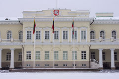 El palacio presidencial en Vilnius imagenes de archivo