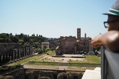 El palacio y Roman Forum de Nero visto forman el top del Colos imágenes de archivo libres de regalías