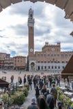 El Palazzo Pubblico y el Torre del Mangia en Siena, Italia fotos de archivo