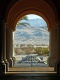 El Palm Springs enmarcó las montañas Foto de archivo