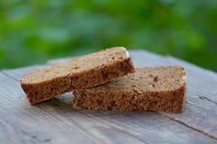 El pan de centeno cocido del corte Foto de archivo