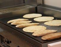 El pan relleno llamó romagnola del piadina en Italia Imagen de archivo