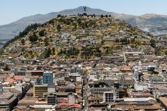 El Panecillo i Quito, Ecuador Arkivfoto