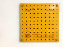 El panel amarillo con el modelo de punto Imágenes de archivo libres de regalías