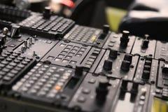 El panel de control dentro de un aeroplano del pasajero, panel de control de los pilotos del aeroplano Imagen de archivo
