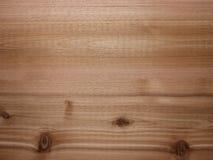 El panel de madera del fondo del cedro con pendiente de la iluminación imágenes de archivo libres de regalías