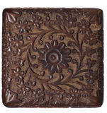El panel de madera tallado decorativo aislado Imagen de archivo libre de regalías