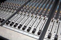 El panel de mezcla audio Imagen de archivo libre de regalías